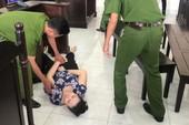 Bình Chánh: Bảo mẫu bạo hành trẻ ngất xỉu khi nghe tuyên án