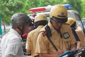 Cảnh sát giao thông 'sáng tạo' kiểu phạt mới