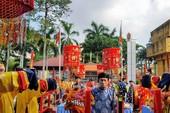 Hàng ngàn người đổ về Suối Tiên dâng hương ngày giỗ Tổ