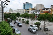 30-4 cấm tất cả phương tiện lưu thông vào đường Nguyễn Huệ