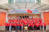 Người hâm mộ nghĩ đủ kiểu cổ vũ Olympic Việt Nam