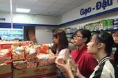 Khách đến siêu thị tăng 'vũ bão', sao bảo vắng?