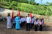 Lễ khai giảng đặc biệt của thầy và trò vùng rốn lũ Mường Lát