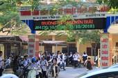 7 học sinh bị đuổi học vì nói xấu giáo viên đi học lại từ mai