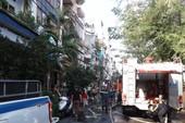 Xe quân đội tham gia dập đám cháy ở Tân Bình