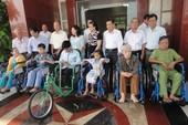 Cùng Quỹ Lawrence S. Ting giúp đỡ người tàn tật