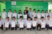 Novaland trao 180 suất học bổng cho học sinh Đồng Tháp