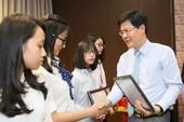 LienVietPostBank trao 165 suất học bổng cho sinh viên