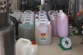 Phát hiện cơ sở sản xuất thực phẩm 'lụi'