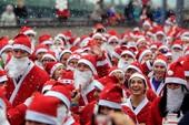 Độc đáo cuộc thi chạy của các ông già Noel khắp thế giới