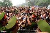 Clip biển người chen lấn, xô đẩy tại lễ hội Đền Hùng
