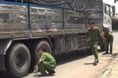 Va chạm với xe tải, người phụ nữ bị cán tử vong