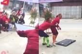 U-23 Việt Nam gỡ hòa, nữ CĐV vui mừng đập vỡ... tivi