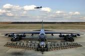 Máy bay ném bom Mỹ sắp có tên lửa đầu đạn hạt nhân