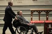 Cựu Tổng thống Bush 'cha' nhập viện sau tang lễ của vợ