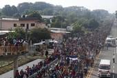 Ông Trump đòi sửa luật nhập cư chặn 5.000 người Trung Mỹ