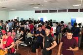 Hơn 5.000 du khách bị kẹt trên đảo Cô Tô bắt đầu về đất liền