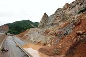 Quảng Ninh: Đường cao tốc bị sạt lở sau mưa