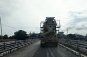 Cấp phép cho xe bê tông qua cầu hạn chế tải trọng