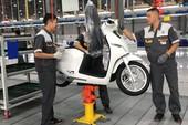 VinFast khánh thành nhà máy, ra mắt xe máy điện Klara