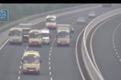 3 xe khách dàn hàng ngang trên cao tốc