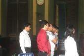 Vụ NaviBank: Bị cáo hết kêu oan, nhập viện vì bệnh