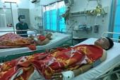 2 'hiệp sĩ' gắng chở nhau đến bệnh viện sau khi bị đâm