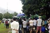 Người dân đội mưa xem xử vụ giết người trên chiếu bạc