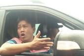 1 tài xế phản ứng ở trạm BOT Tam Kỳ