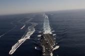 Tàu sân bay USS Carl Vinson đang tiến vào cảng Tiên Sa