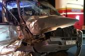 2 ô tô tông nhau ở đèo Hải Vân, 4 người nhập viện