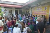 Khám bệnh, cấp thuốc miễn phí cho người dân huyện Cờ Đỏ
