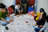 Hàng chục con bạc sát phạt nhau trong phòng ngủ ở TP Mỹ Tho