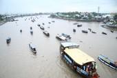 Bồng bềnh trên sông nước ngắm chợ nổi Cái Răng