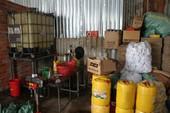 Cơ sở sản xuất hàng ngàn lít nhớt giả ở Cần Thơ
