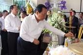 Nguyên Bí thư Thành ủy Lê Thanh Hải đến đưa tiễn ông Nguyễn Thanh Chín