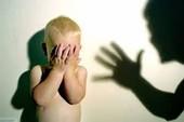 """""""Bồ nhí đánh con để gây áp lực với chồng tôi, tính sao?"""""""