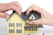Nhà chồng cho tiền mua đất, nhà tự xây là tài sản chung hay riêng?