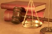Chánh án hết nhiệm kỳ thẩm phán, không được xét xử?