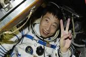 Bí ẩn tiếng 'gõ cửa' phi thuyền Trung Quốc giữa vũ trụ