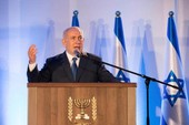 Ông Trump sắp đến thăm, Israel liền nhượng bộ Palestine