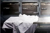 Người phụ nữ Nam Phi bất ngờ sống lại trong nhà xác