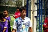 Nhờ đâu HLV 25 tuổi giúp cả đội bóng Thái sống sót?