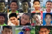 Các thành viên đội bóng nhí Thái Lan sụt 2 kg