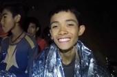 Cầu thủ nhí Thái Lan kể chuyến đi định mệnh ở hang Tham Luang