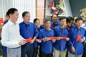 Lãnh đạo thành phố thăm và chúc tết công nhân Đa Phước
