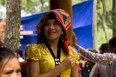 Thế giới đằng sau chiếc khăn piêu của người Thái