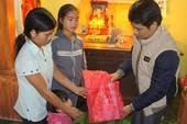 Báo Pháp luật TP.HCM trao quà tết cho gia đình nạn nhân bị tai nạn thương tâm