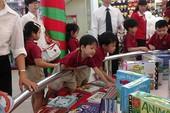 Triển lãm sách thiếu nhi 'Vui Giáng sinh - đón năm mới'