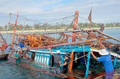Chìm tàu, ngư dân thiệt hại hơn trăm triệu đồng